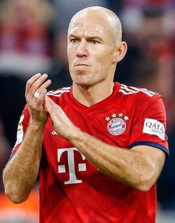 Biografi Arjen Robben, si manusia kaca
